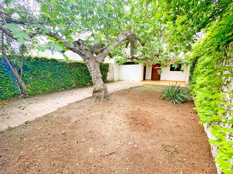 House -                                       L´escala -                                       4 bedrooms -                                       8/9 persons