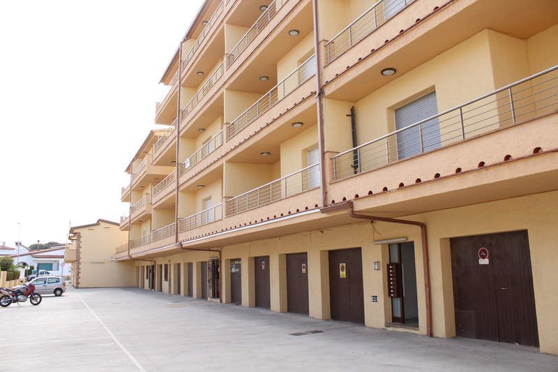 Apartment -                                       L´escala -                                       3 bedrooms -                                       0 persons